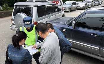 Обязан ли работник гаи оформить аварию если участники настаивают