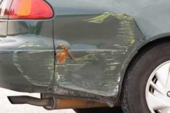Что делать, если на стоянке поцарапали машину (ОСАГО)