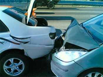 Авария из двух машин взад