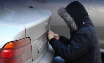 Изображение - Восстановление украденных номеров tip-v-kapyushone-okodlo-nomera-avtomobilya